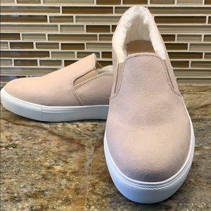 Loft faux fur lined sneaker size 8 new in box